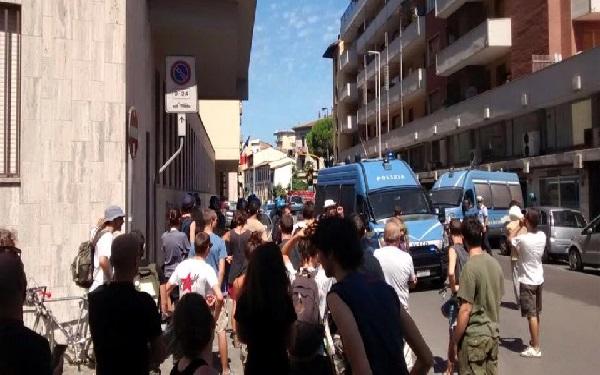 A Firenze la repressione non va in vacanza